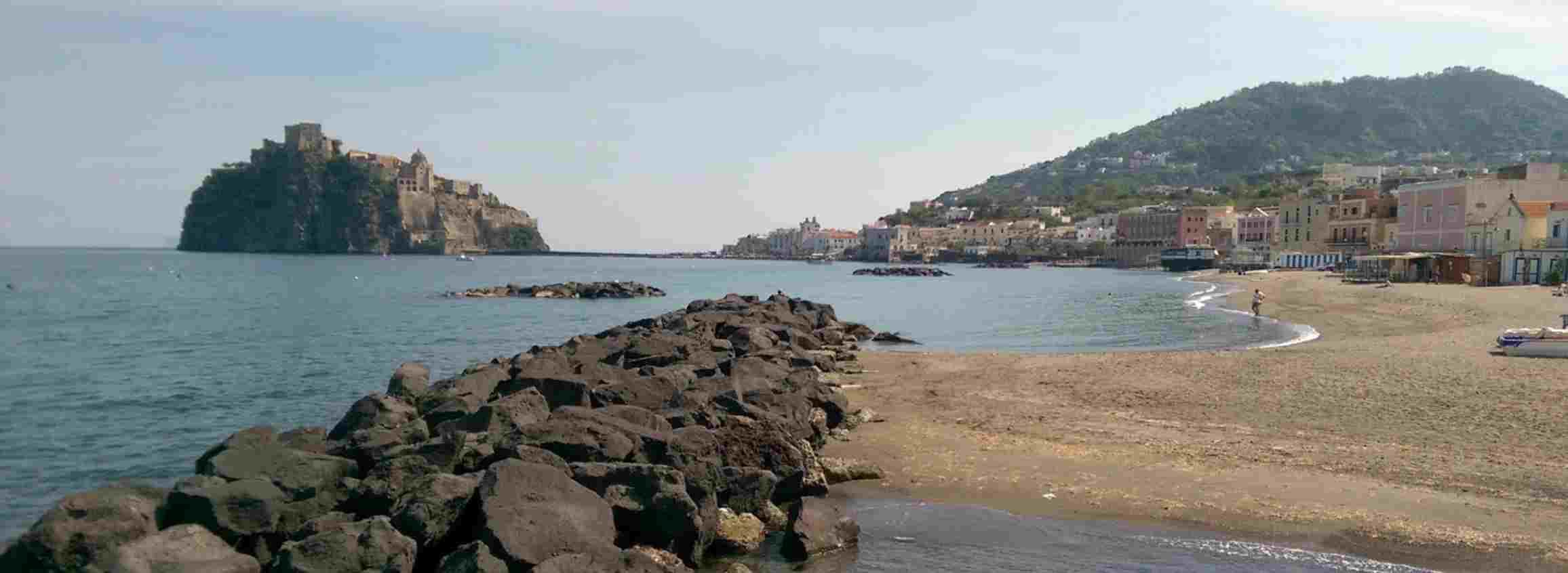 spiaggia da vedere ischia i pescatori